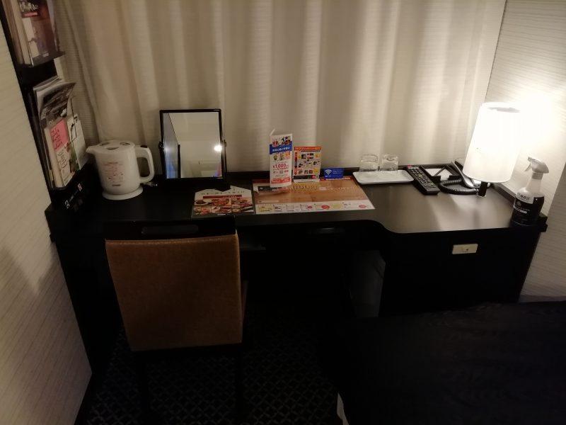アパホテル巣鴨机