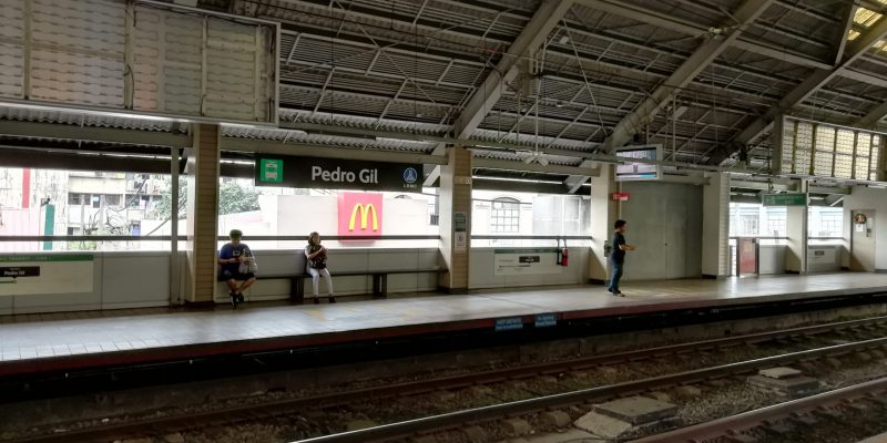 LRTのPedro Gil駅