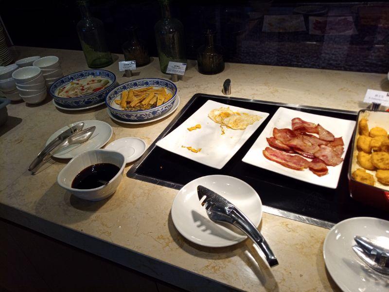Holiday Inn Express Shenzhen Songgang朝食ビュッフェ