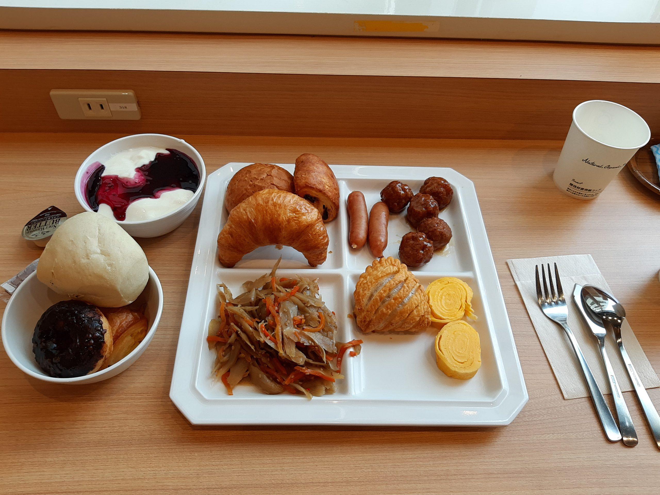 スーパーホテル五条烏丸朝食ビュッフェ
